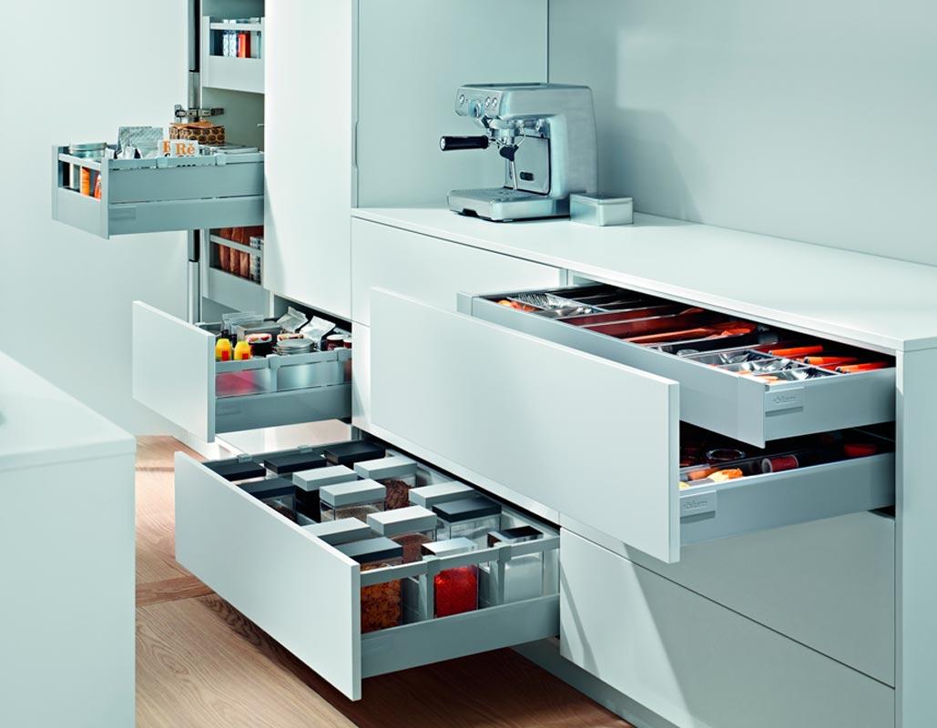 Accesorios de cocina en pamplona cocinas amcona for Almacen para cocina
