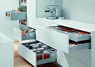 tienda de accesorios blum para cocina amcona en pamplona