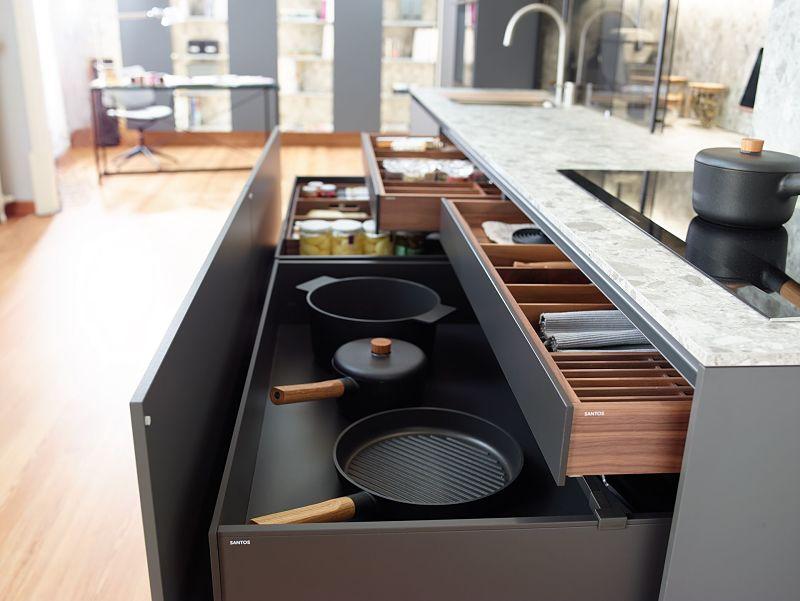 Aprovecha el espacio con los armarios de tu cocina.